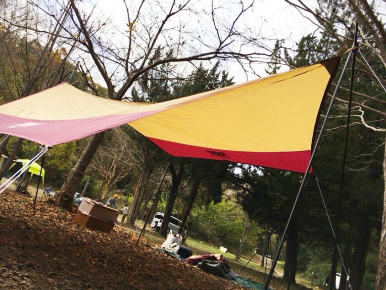 キャンプ 失敗 タープ
